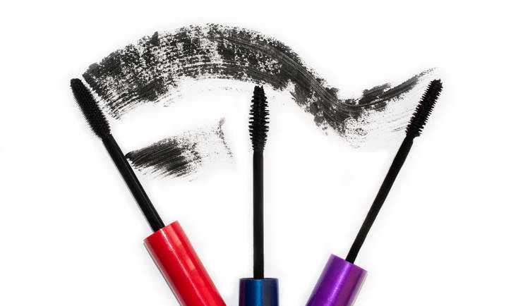 What Happens to Your Eyes When You Sleep in Mascara?